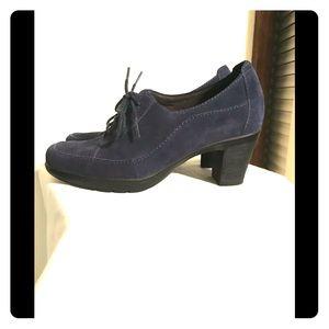 Clark's ladies shoe size 5.5